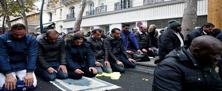 France stopping Muslim street prayers in Paris suburb after closure of a popular mosque